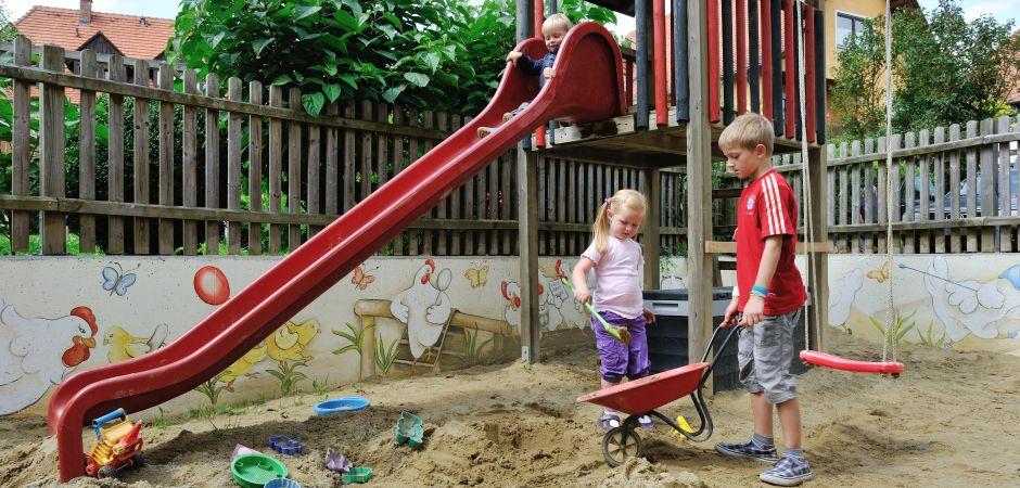 Apfelhof-Kinderspielplatz-Slider9