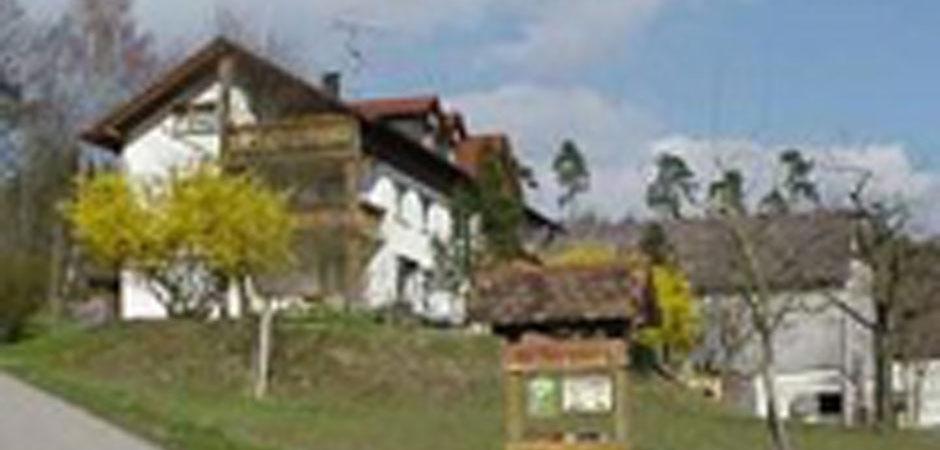 hof-fehrenberg-gebaeude