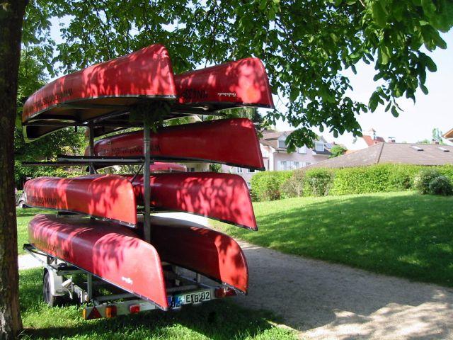 Rote Kanus